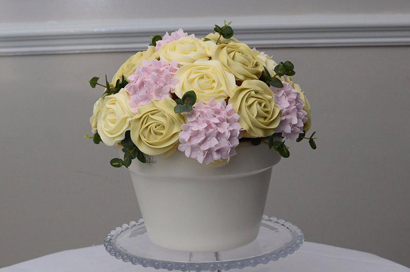 Hull wedding cake bespoke centerpieces