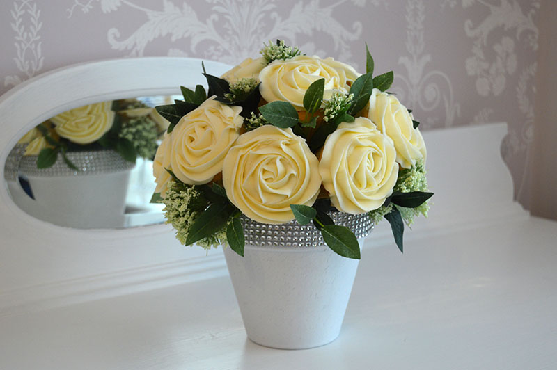 WEDDING cupcake CENTREPIECES HULL