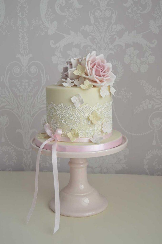 Yorkshire hull wedding cakes