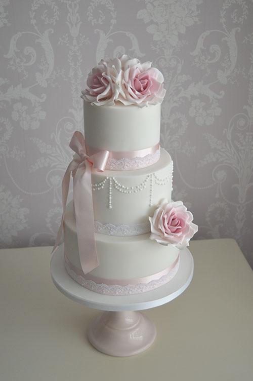 hull wedding cakes
